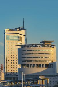 【香川県 高松市】高松港周辺の建造物 サンポート高松の写真素材 [FYI04864897]