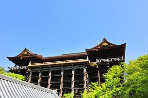 世界文化遺産 京都・清水寺の本堂舞台の写真素材 [FYI04864901]