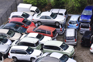 リサイクルされる自動車の写真素材 [FYI04865024]