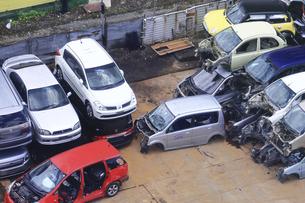 リサイクルされる自動車の写真素材 [FYI04865026]