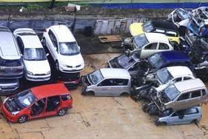 リサイクルされる自動車の写真素材 [FYI04865028]