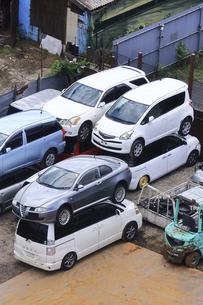 リサイクルされる自動車の写真素材 [FYI04865032]