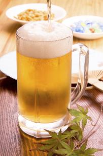 ジョッキのビールの写真素材 [FYI04865844]