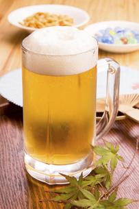 ジョッキのビールの写真素材 [FYI04865845]