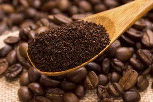 挽いたコーヒー豆の写真素材 [FYI04865857]
