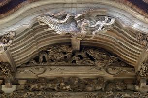大瀧神社の彫刻の写真素材 [FYI04865974]