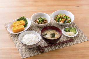 日本の朝食のイメージの写真素材 [FYI04866193]