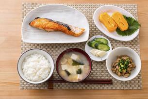 日本の朝食のイメージの写真素材 [FYI04866224]