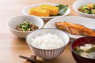 日本の朝食のイメージの写真素材 [FYI04866237]