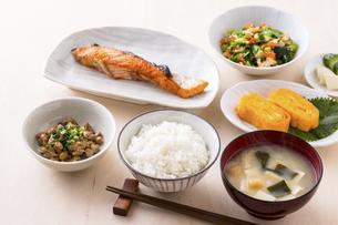日本の朝食のイメージの写真素材 [FYI04866240]