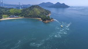 来島海峡の渦潮(うずしお) しまなみ海道の写真素材 [FYI04867590]
