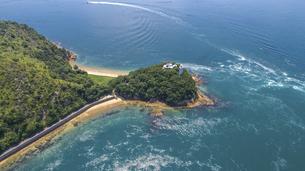 来島海峡の渦潮(うずしお) しまなみ海道の写真素材 [FYI04867594]