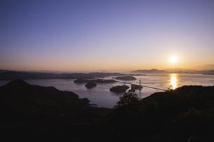 亀老山から見た来島海峡(愛媛県今治市大島/しまなみ海道)の写真素材 [FYI04867636]