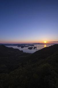 亀老山から見た来島海峡(愛媛県今治市大島/しまなみ海道)の写真素材 [FYI04867638]