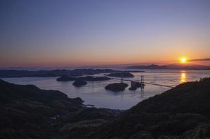 亀老山から見た来島海峡(愛媛県今治市大島/しまなみ海道)の写真素材 [FYI04867639]