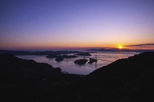 亀老山から見た来島海峡(愛媛県今治市大島/しまなみ海道)の写真素材 [FYI04867640]