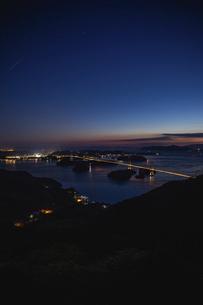 亀老山から見た来島海峡(愛媛県今治市大島/しまなみ海道)の写真素材 [FYI04867646]