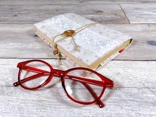趣味は読書です ハンドメイドのブックカバーの写真素材 [FYI04868320]