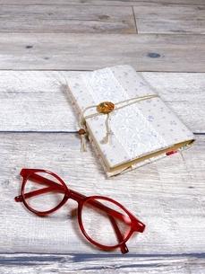 趣味は読書です ハンドメイドのブックカバーの写真素材 [FYI04868322]