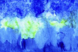 青や黄緑色の背景素材 【水彩】のイラスト素材 [FYI04868621]