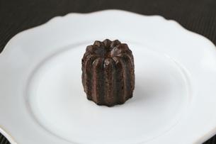 カヌレ 洋菓子の写真素材 [FYI04870117]