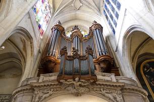 パリ最古とも言われるサン・ジェルヴェ・サン・プロテ教会のパイプオルガンの写真素材 [FYI04871212]