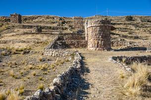 ペルー・チチカカ湖:シユスタニ遺跡の写真素材 [FYI04871366]