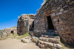 チチカカ湖・太陽の島:ピルコカイナ遺跡の写真素材 [FYI04871379]