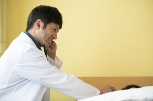 訪問診療の写真素材 [FYI04871906]