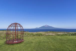 礼文島からの利尻富士の写真素材 [FYI04872098]