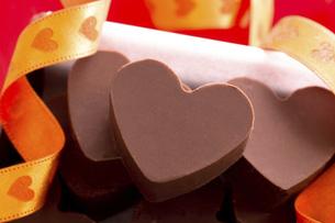 バレンタインのハート型チョコの写真素材 [FYI04872436]