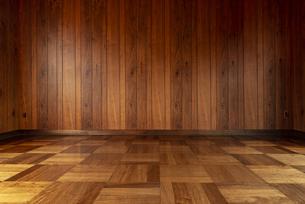 古い部屋の壁と床の写真素材 [FYI04872855]