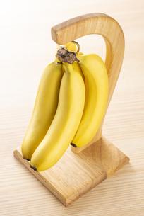 バナナハンガーの写真素材 [FYI04872890]