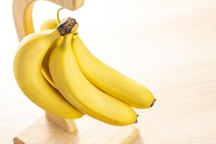 バナナハンガーの写真素材 [FYI04872891]