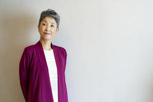 日本人シニア女性ポートレートの写真素材 [FYI04873132]