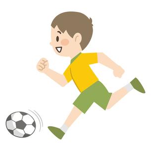 サッカーをする男の子のイラスト素材 [FYI04873375]
