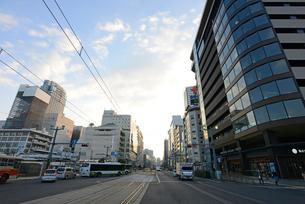 広島市の街並み 早朝の相生通りの写真素材 [FYI04873999]