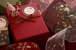 クリスマスプレゼントの写真素材 [FYI04874386]