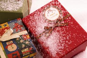 クリスマスプレゼントの写真素材 [FYI04874389]