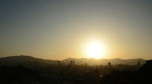 広島市の街並み展望と朝日の写真素材 [FYI04874397]