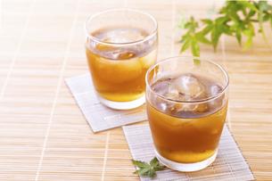 日本の夏の飲み物、麦茶の写真素材 [FYI04874776]
