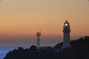 潮岬からの夕日の写真素材 [FYI04874859]