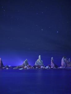 橋杭岩からの夜景の写真素材 [FYI04874863]