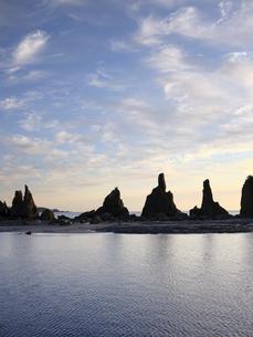橋杭岩からの日の出の写真素材 [FYI04874874]