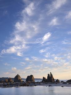 橋杭岩からの日の出の写真素材 [FYI04874875]