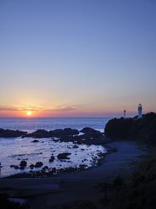 潮岬からの夕日の写真素材 [FYI04874900]