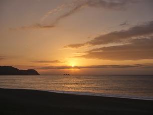 早朝の熊野灘の写真素材 [FYI04874935]