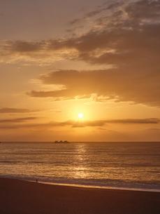早朝の熊野灘の写真素材 [FYI04874936]