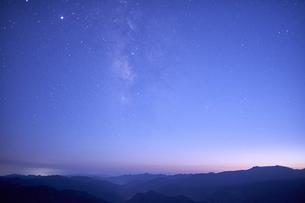 大台ケ原からの星空の写真素材 [FYI04874942]