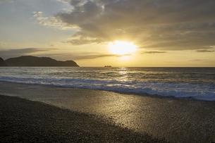 早朝の熊野灘の写真素材 [FYI04874954]
